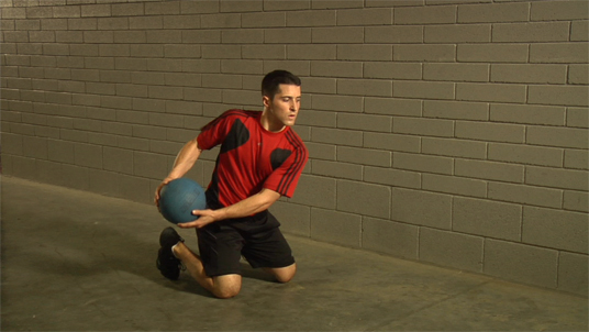 Medicine Ball - Perpendicular Throw - Kneeling